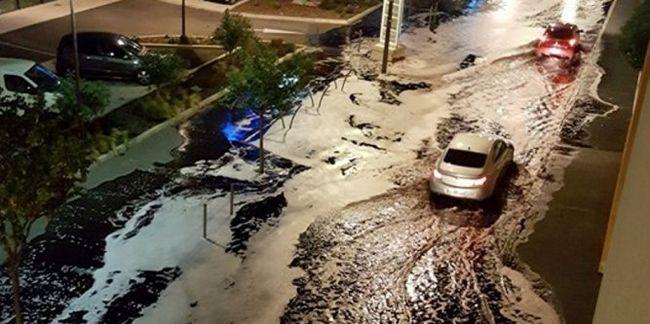 Vörösbor árasztotta el a város utcáit