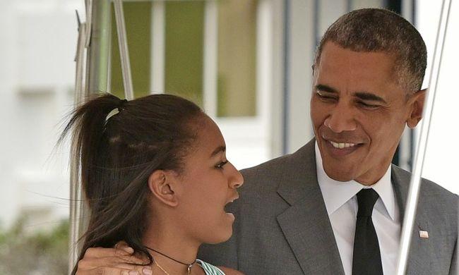 Hiába elnök az apja, pénztárosnak áll Obama kisebbik lánya