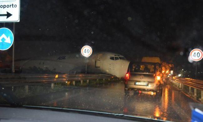 Súlyos baleset: túlszaladt a kifutón a magyar gép