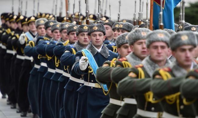 Öngyilkossági hullám a hadseregben, terjed az erőszak