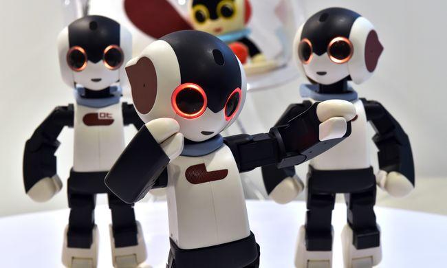 Táncoló robotokkal állítottak fel új Guiness-rekordot a kínaiak