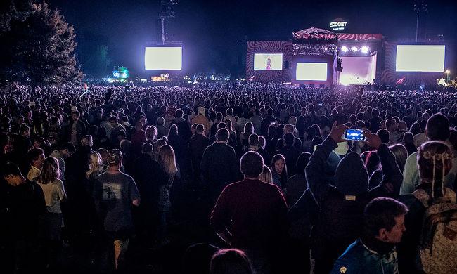 Botrány a fesztiválon: nemi erőszak miatt törölték a rendezvényt