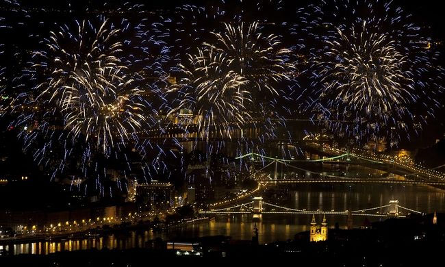 Égi csoda: innen lesz a leglátványosabb a tűzijáték