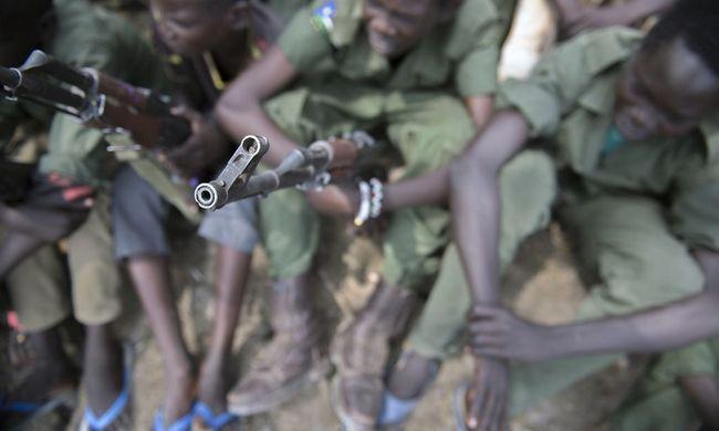 650 gyerekkatonát küldenek a frontra, hogy vívják meg a felnőttek háborúját