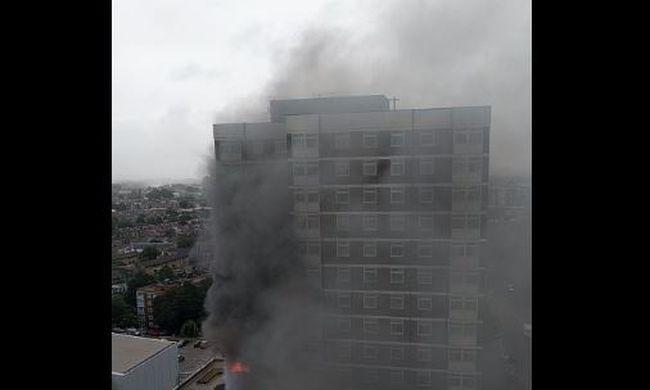 Kigyulladt egy toronyház, 100 tűzoltó próbálja eloltani a tüzet
