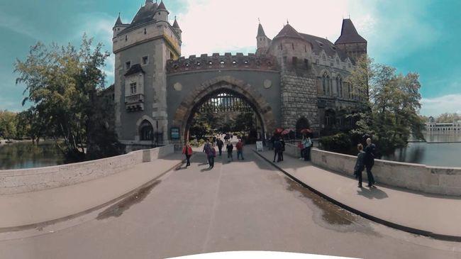 Városnézés a fotelból: lenyűgöző videó készült Budapestről