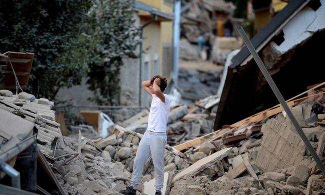 """""""A rokonaik nevét kiabálják, de már senki nem válaszol"""" - csak romok maradtak az olasz városból"""