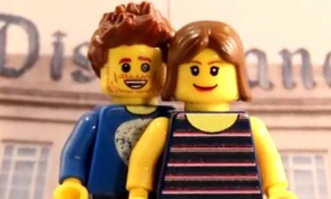 Lenyűgöző videó: LEGO-figuraként kérte meg barátnője kezét