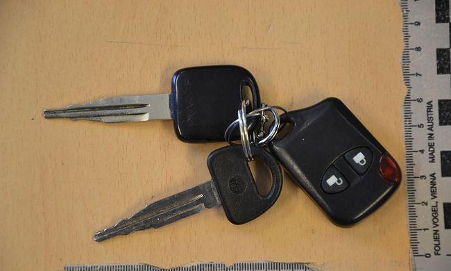 Volt egy kulcsa, minden kocsin kipróbálta