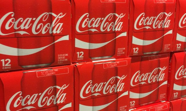 Kokaint találtak a Coca-Colában