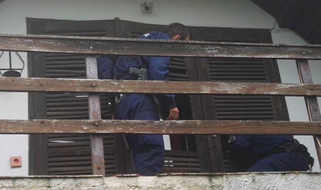 16 pincében aludt egymás után, az utolsóból a rendőrök vitték el - videó