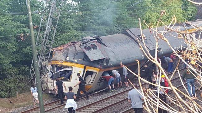 Gyorshír: kisiklott egy vonat, ketten meghaltak