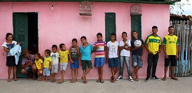 Mind a 13 fiát focistákról nevezte el a férfi