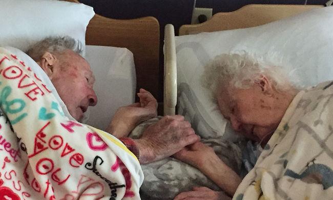 Szívszorító: nem bírta elengedni haldokló felesége kezét a 100 éves férfi