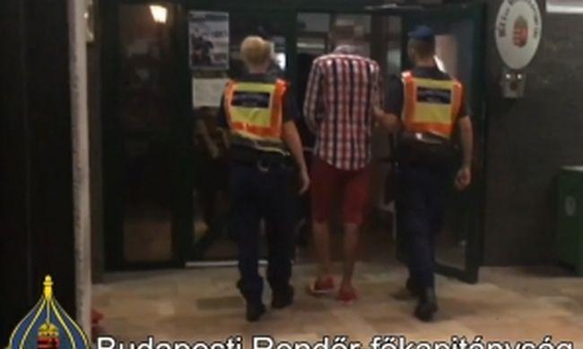 Gyanútlanul sétálgatott a belvárosban a jól öltözött férfi, amikor a rendőrök lecsaptak rá
