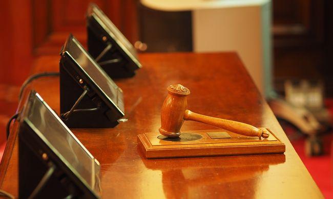 Ennyi ajándék pénzt kapnak a magyar bíróságok dolgozói