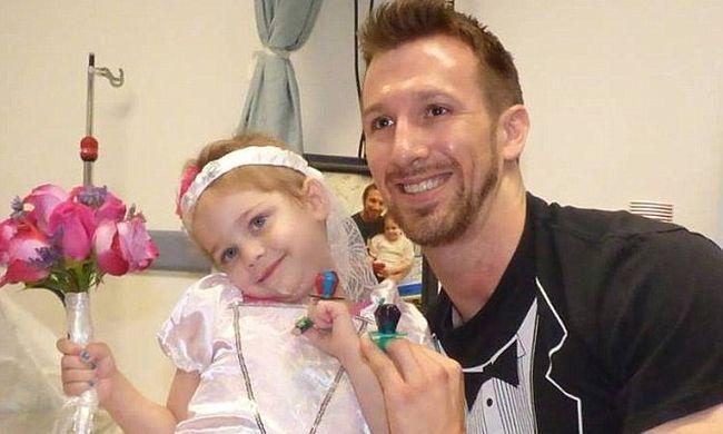 Megható videó: meglepetésesküvőn ment hozzá kedvenc ápolójához a kislány