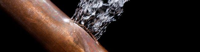 Ki fizeti az elfolyt vizet, ha csőtörés volt a házban?