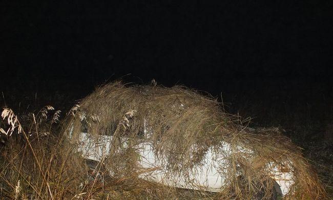 Ez az endrefalvai zseni egy marék fűvel rejtette el a lopott kocsit