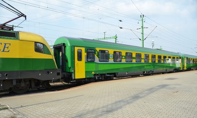 Ezek a GYSEV felújított, kényelmes vonatai