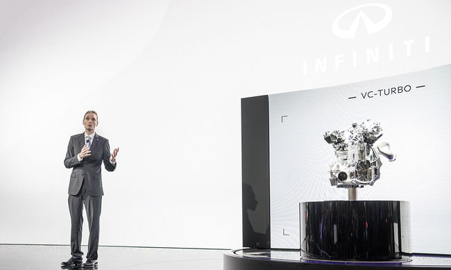 Bemutatták az új Infiniti VC-Turbó motort Párizsban