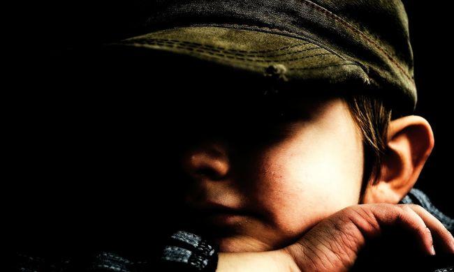 Vita a gyereknevelésről: még mindig támogatják a gyerekek bántalmazását