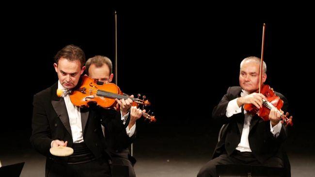 Hallott már Mozart-remekművet pingponglabdán megszólalni?