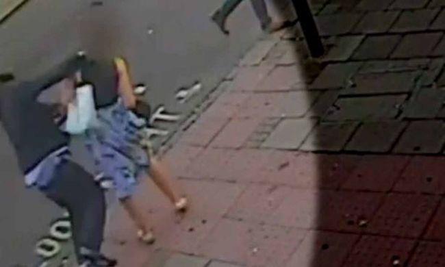 Semmiből tűnt fel, majd rátámadt egy nőre - videó