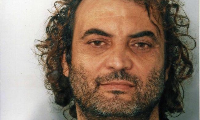 Konyhaszekrényben rejtőzött a maffiafőnök