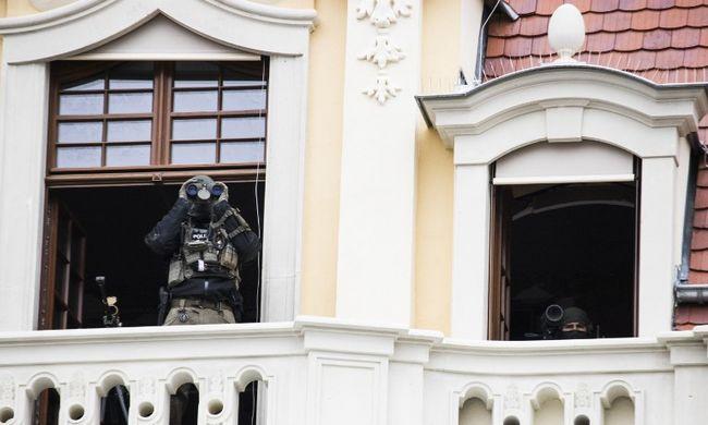 Terrortámadás veszélye miatt ürítettek ki több utcát