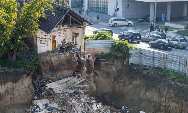 Mélygarázsba dőlt egy ház Debrecenben