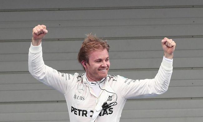 Rosberg és a Mercedes ünnepelhetett