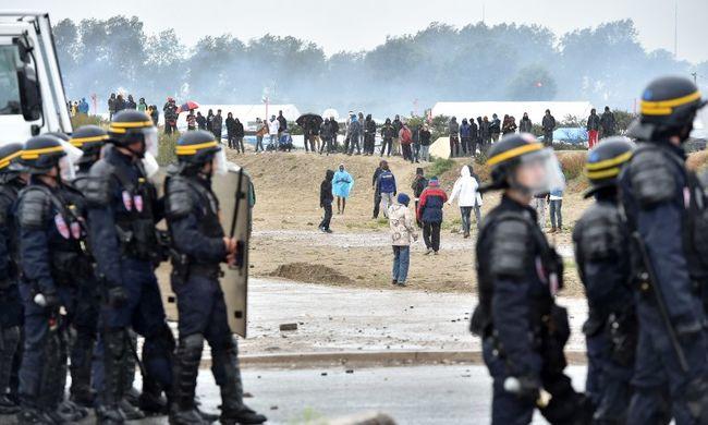 Sofőrre támadtak a migránsok, egyiküket halálra gázolta