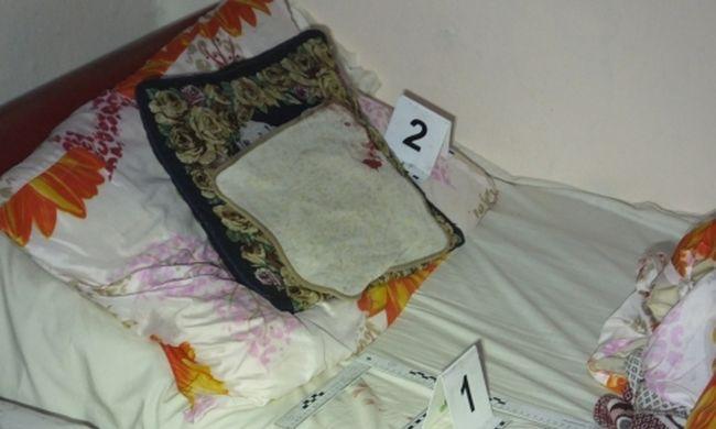 Ágyban aludt a nővére, fejbe vágta baltával