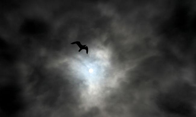 Gyűlnek a felhők, ekkor éri el a hidegfront az országot