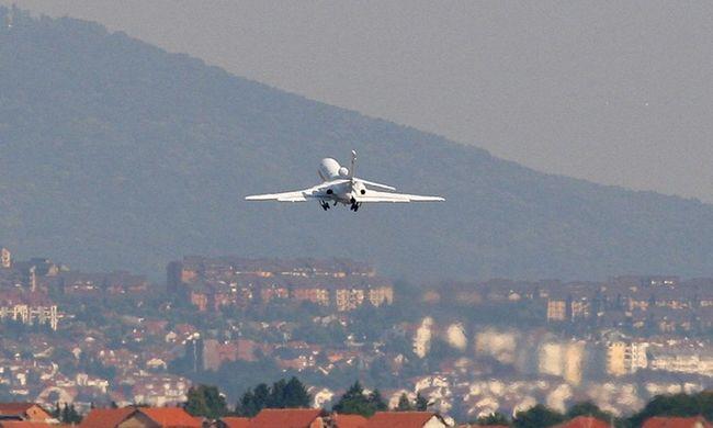 Meztelen utas miatt tört ki a botrány a repülőn