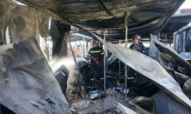 Uniós irodákat gyújtottak fel a migránsok