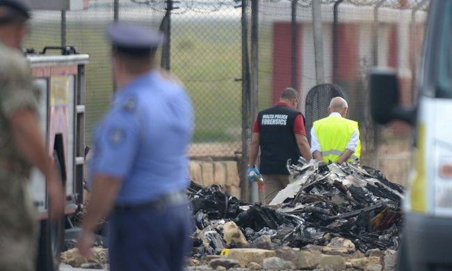 Nem bomba miatt zuhant le a repülőgép - videó