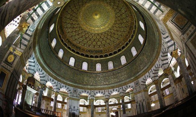 A hitszónokok rejtett arca: az Iszlám Államot dicsőítették az imámok