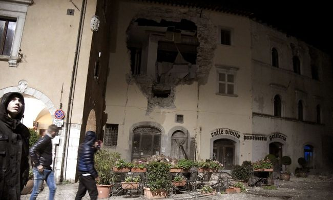 Nincs vége a borzalomnak: újabb földrengés rázta meg Olaszországot