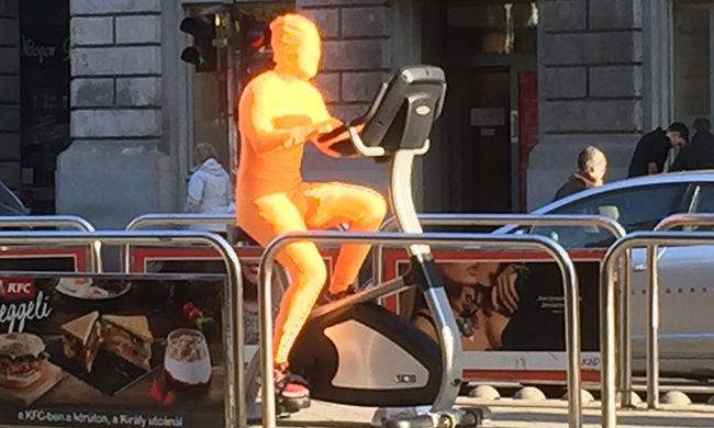 Narancssárga ember jelent meg Budapesten