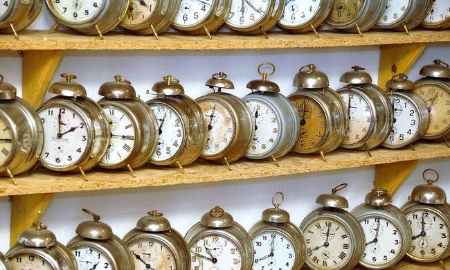 Hajnalban nyerünk egy órát - ne felejtse el átállítani a mutatókat!