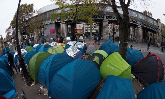 Bejelentették a franciák: ezt teszik a migránsok miatt