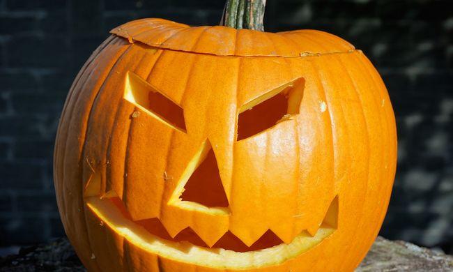 Előkerültek a kések Halloweenkor - egy ember meghalt