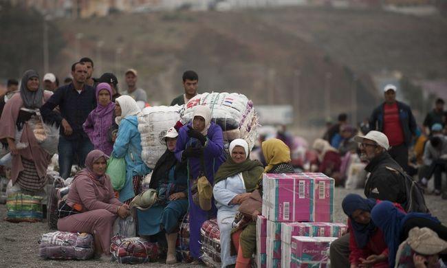 Mindent letaroltak a feldühödött migránsok