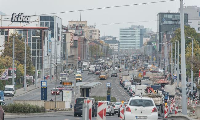 Itt az iskolakezdés, rengeteg helyen van fennakadás Budapesten