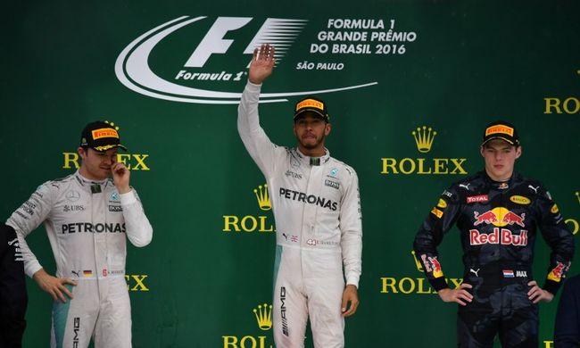 Feszült mérkőzés jön: Hamilton győzelmével kiélezett a verseny