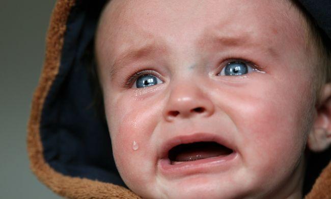 Egy kisbaba holttestét találták meg a szekrényben
