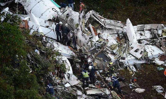 Ezek voltak a lezuhant gép pilótájának utolsó segélykérései