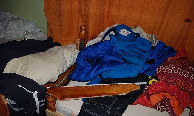 Egy ágyról letört karfával verte a lakótársát